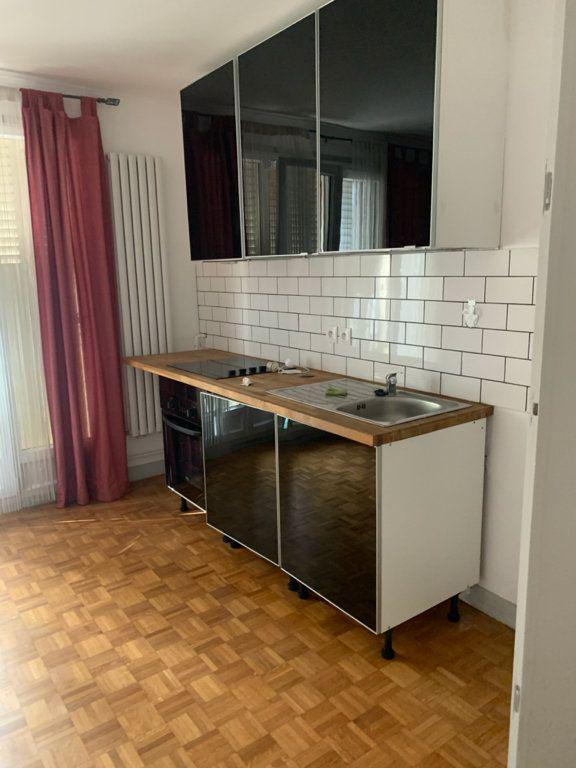Appartement à louer 1 34.75m2 à Asnières-sur-Seine vignette-2