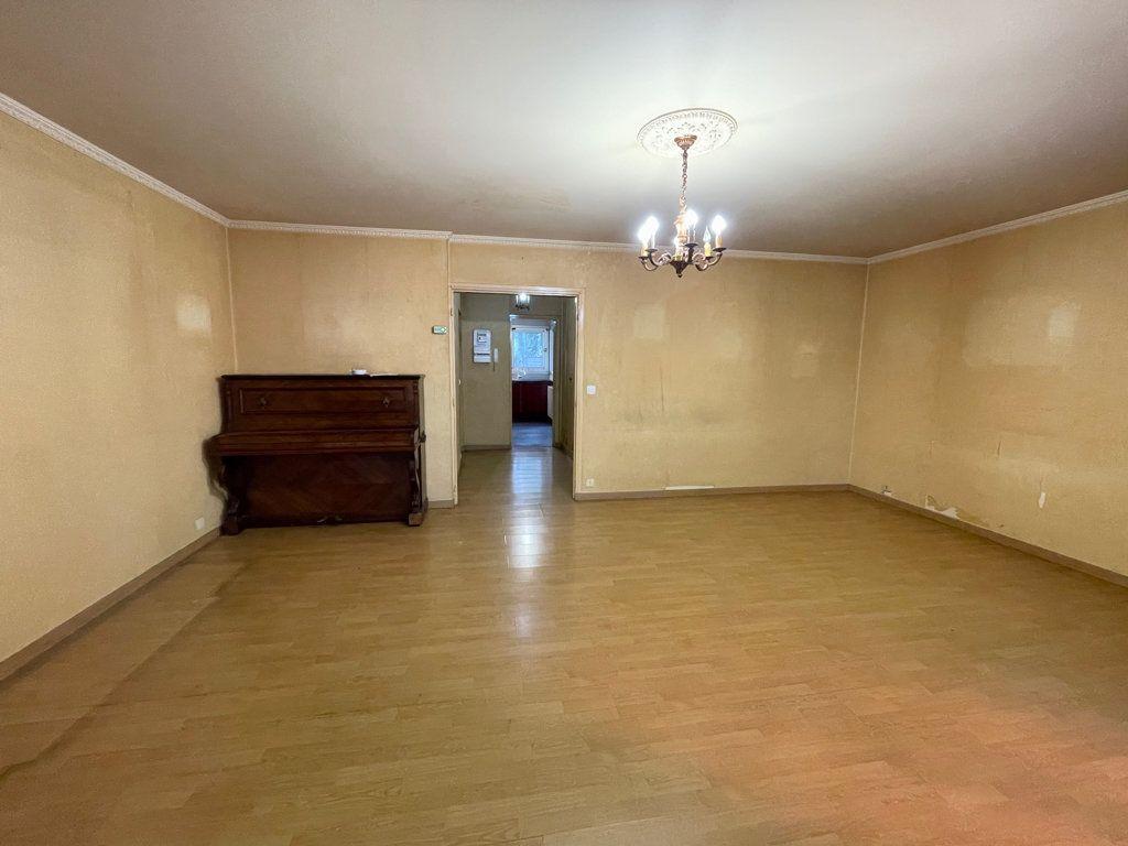 Appartement à vendre 5 82.95m2 à Asnières-sur-Seine vignette-3