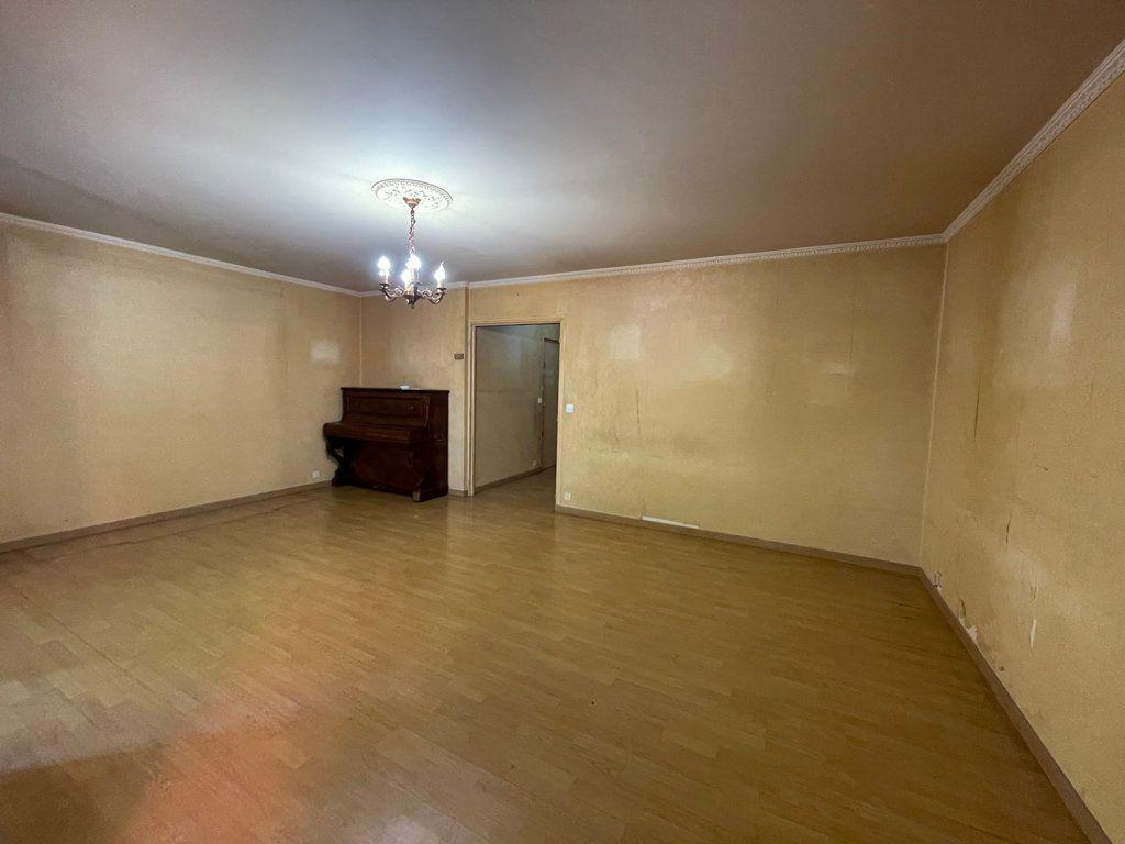 Appartement à vendre 5 82.95m2 à Asnières-sur-Seine vignette-4