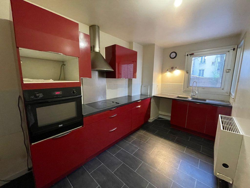 Appartement à vendre 5 82.95m2 à Asnières-sur-Seine vignette-5