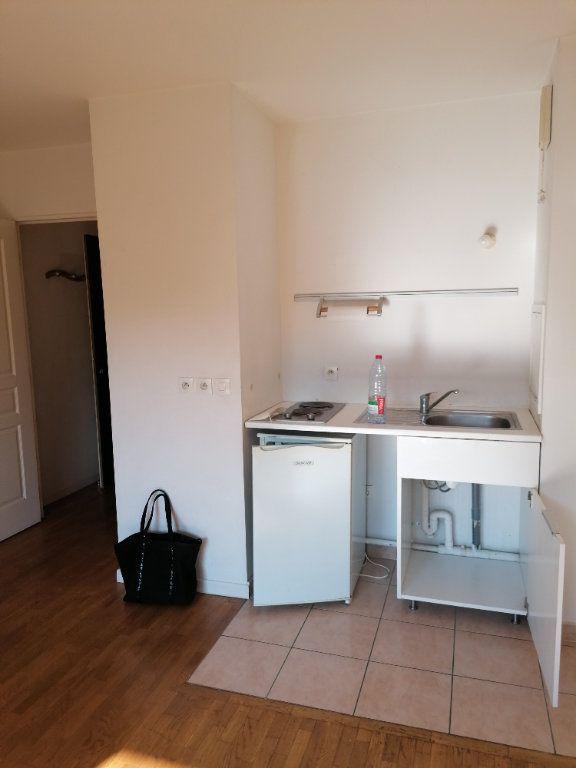 Appartement à louer 1 23.81m2 à Asnières-sur-Seine vignette-2