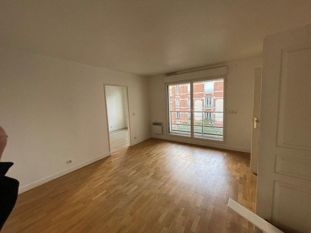 Appartement à louer 2 39.9m2 à Courbevoie vignette-2