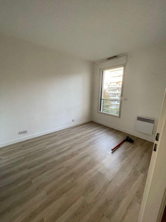 Appartement à louer 2 39.9m2 à Courbevoie vignette-3