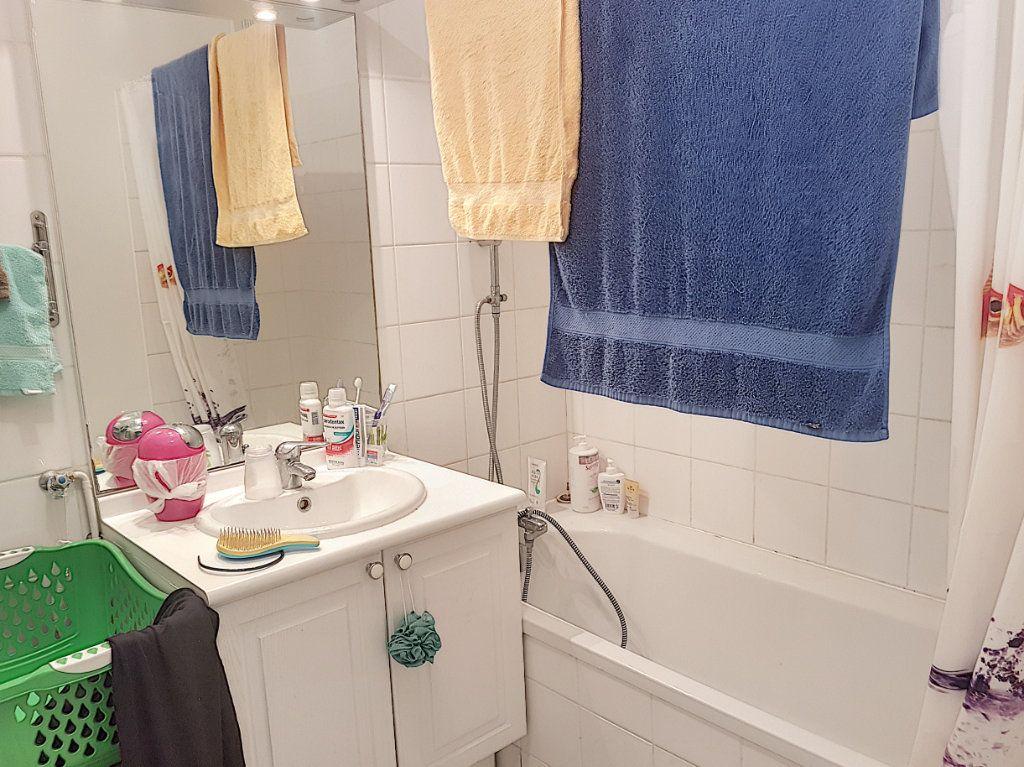 Appartement à vendre 3 67.21m2 à Beuzeville vignette-5