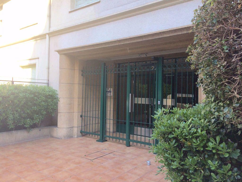 Appartement à louer 2 53.21m2 à Nice vignette-7