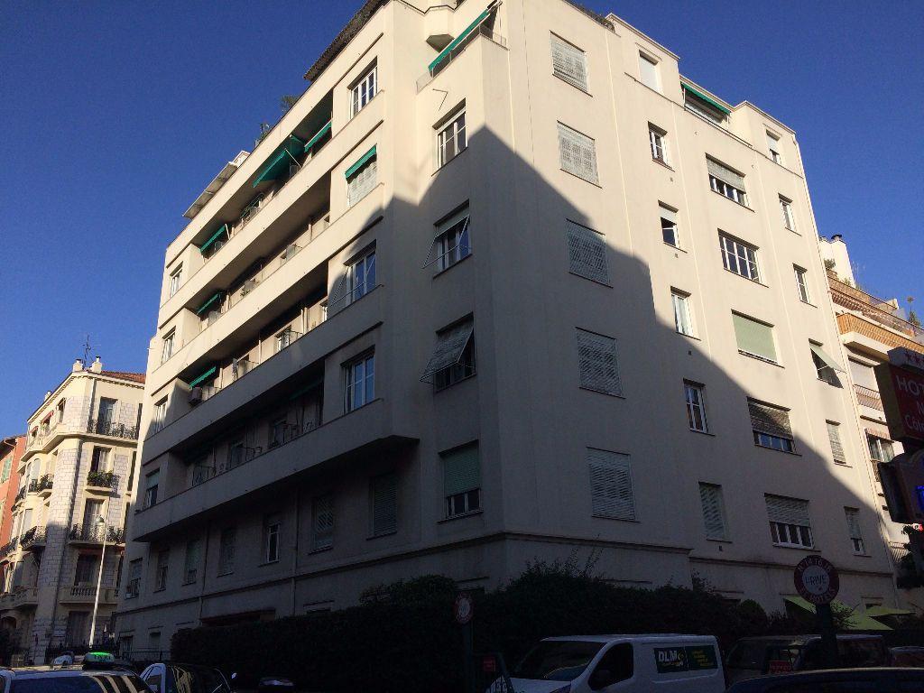Appartement à louer 2 53.21m2 à Nice vignette-8
