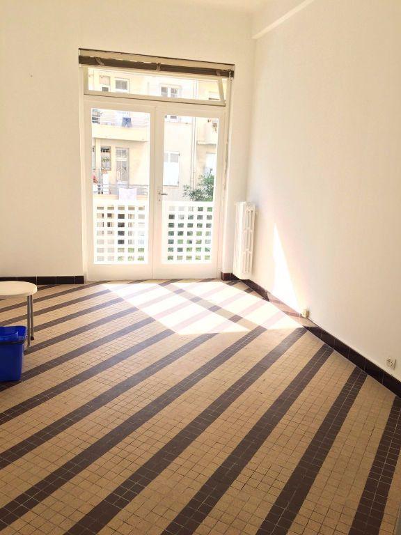 Appartement à louer 1 31.55m2 à Nice vignette-2