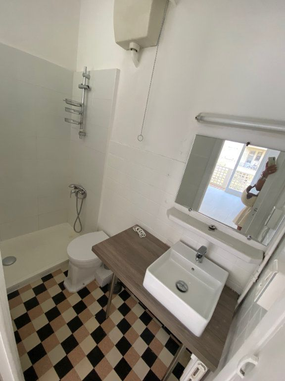 Appartement à louer 1 26.55m2 à Nice vignette-5