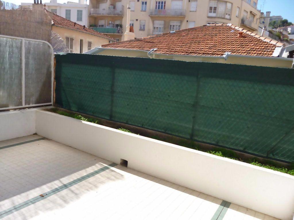 Appartement à louer 1 29.04m2 à Nice vignette-1