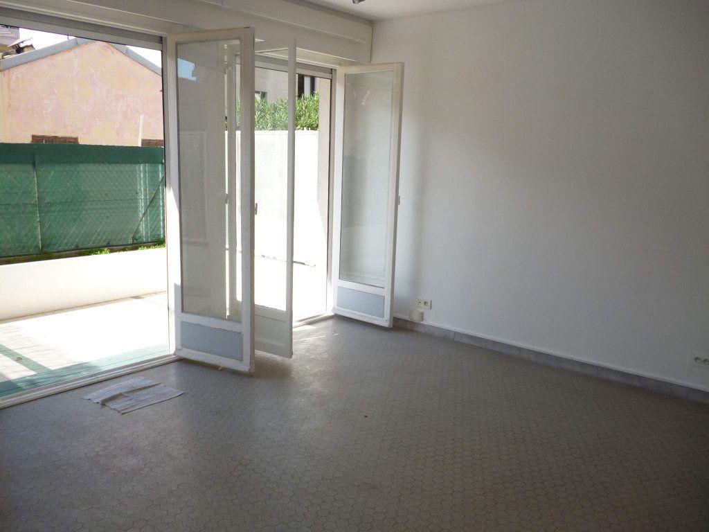Appartement à louer 1 29.04m2 à Nice vignette-2