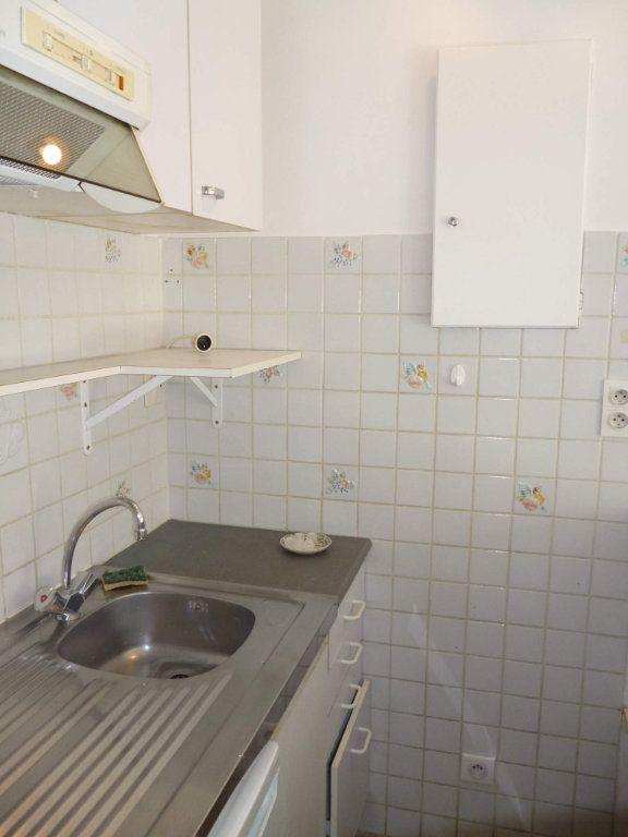 Appartement à louer 1 29.04m2 à Nice vignette-4