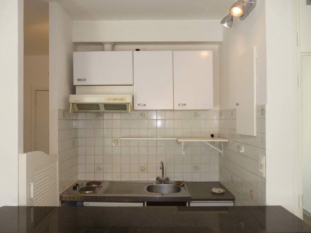 Appartement à louer 1 29.04m2 à Nice vignette-5