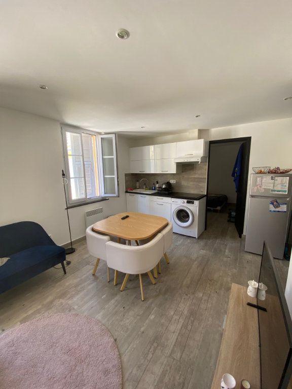 Appartement à louer 3 50.31m2 à Nice vignette-3