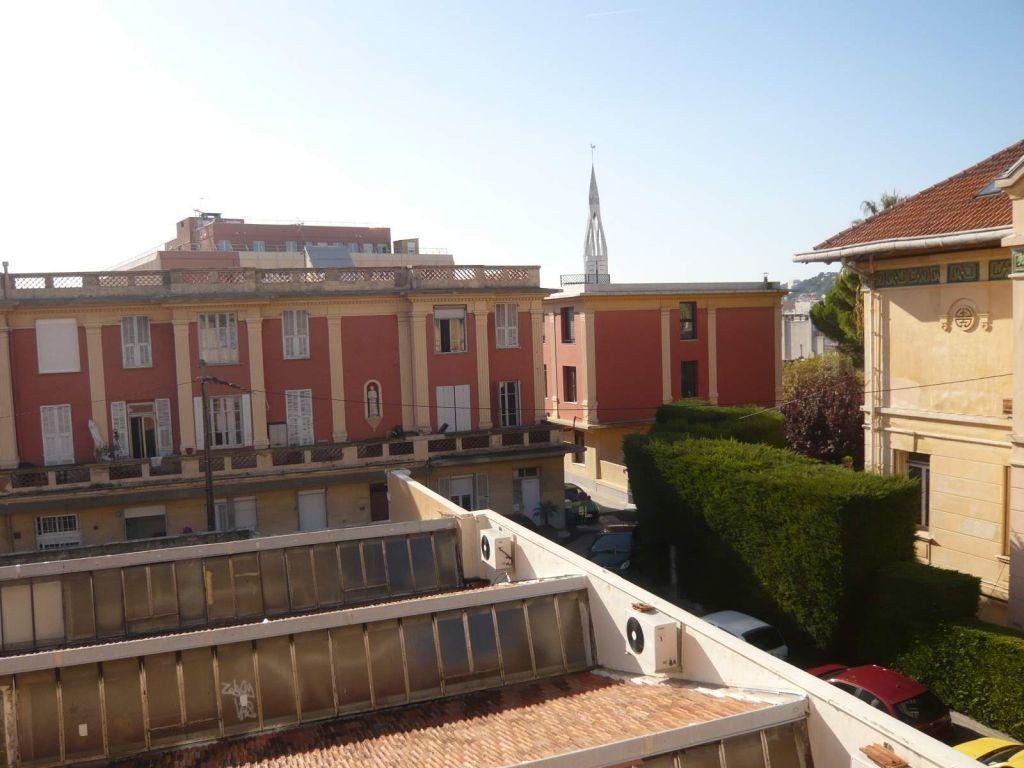 Appartement à louer 1 23.85m2 à Nice vignette-1