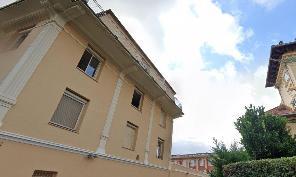 Appartement à louer 1 23.85m2 à Nice vignette-2