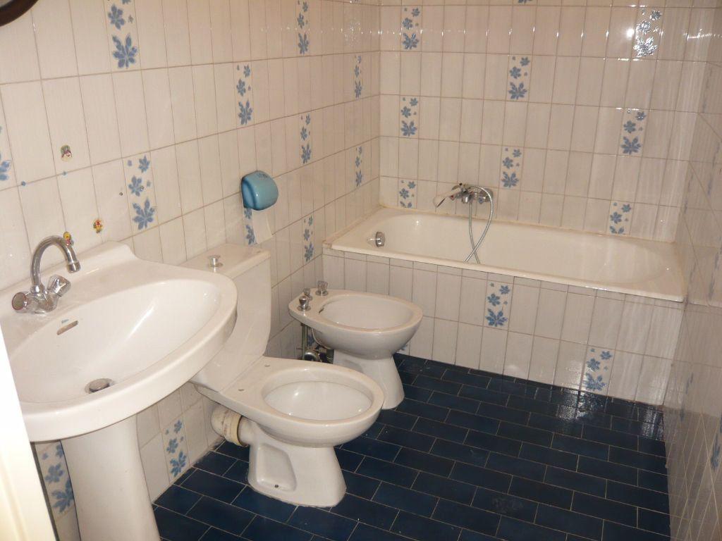 Appartement à louer 1 24.72m2 à Nice vignette-4