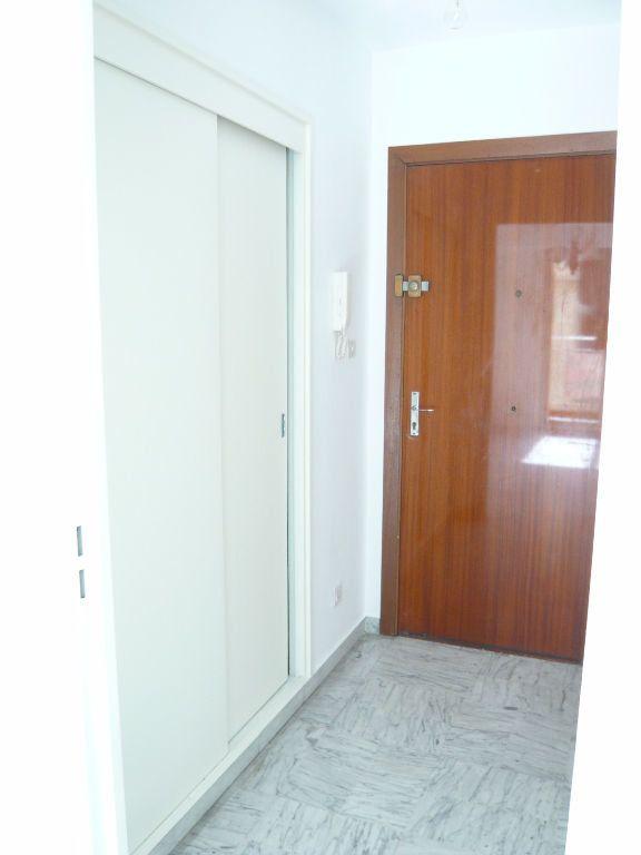 Appartement à louer 1 24.72m2 à Nice vignette-5