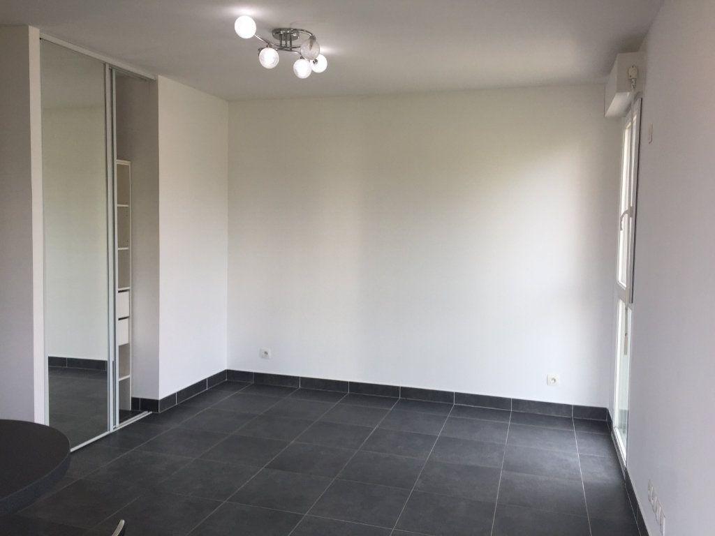 Appartement à louer 1 29.89m2 à Cagnes-sur-Mer vignette-2