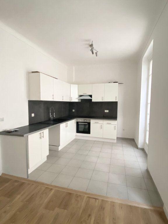 Appartement à louer 3 60m2 à Nice vignette-5