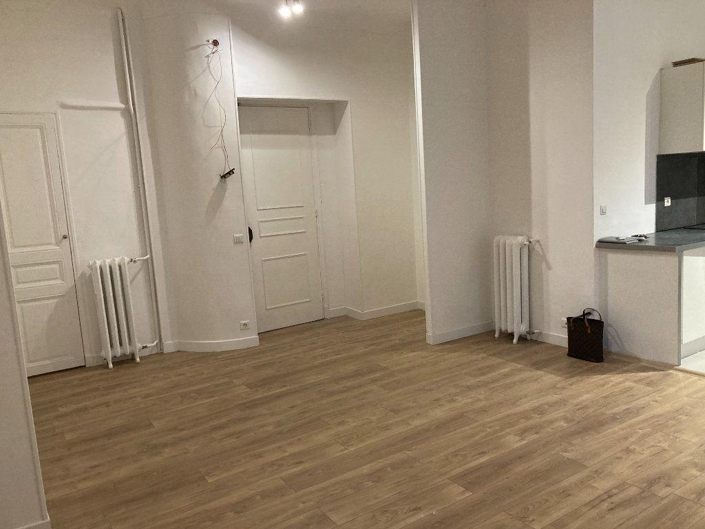 Appartement à louer 3 60m2 à Nice vignette-6