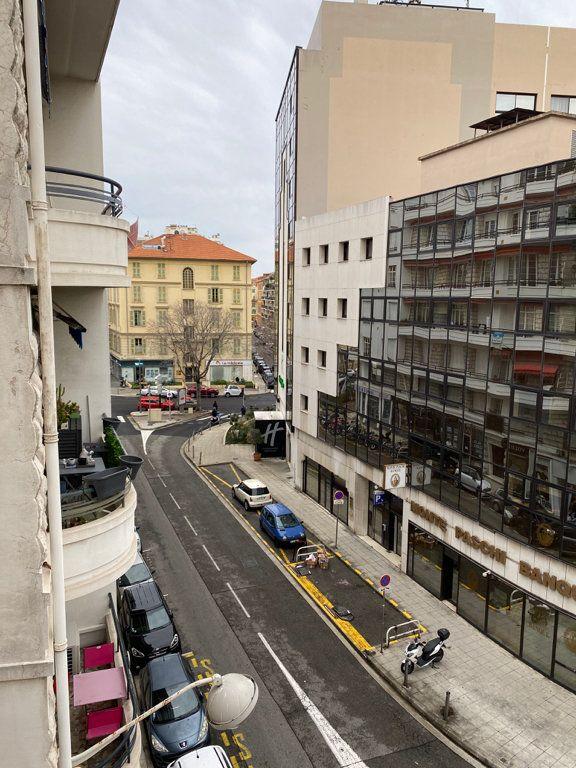 Appartement à louer 3 60m2 à Nice vignette-10