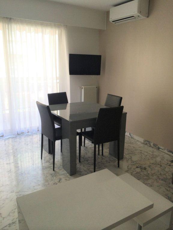 Appartement à louer 2 37.08m2 à Nice vignette-3