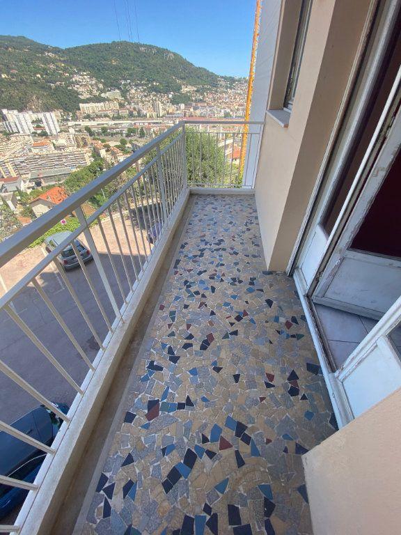 Appartement à louer 3 69m2 à Nice vignette-5