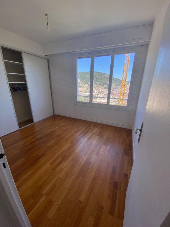 Appartement à louer 3 69m2 à Nice vignette-7