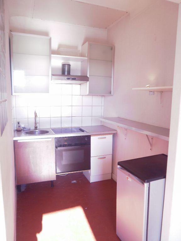 Appartement à louer 1 29.9m2 à Nice vignette-2