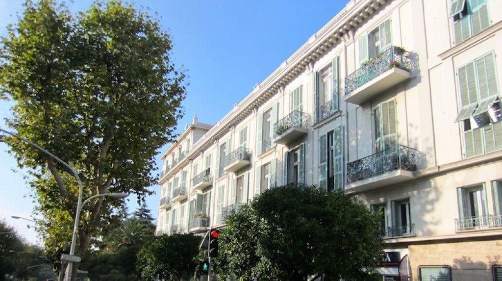 Appartement à louer 1 14.8m2 à Nice vignette-2