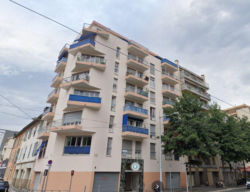 Appartement à louer 2 41.06m2 à Nice vignette-1