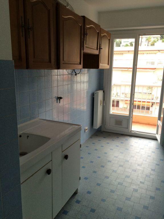 Appartement à louer 2 41.06m2 à Nice vignette-3