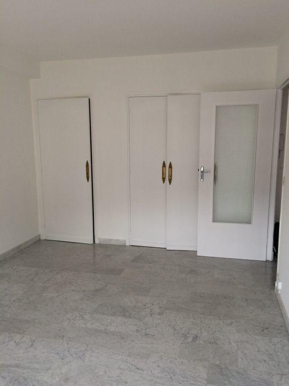Appartement à louer 2 41.06m2 à Nice vignette-4
