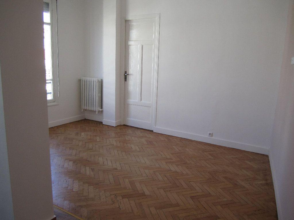 Appartement à louer 2 38.75m2 à Nice vignette-3