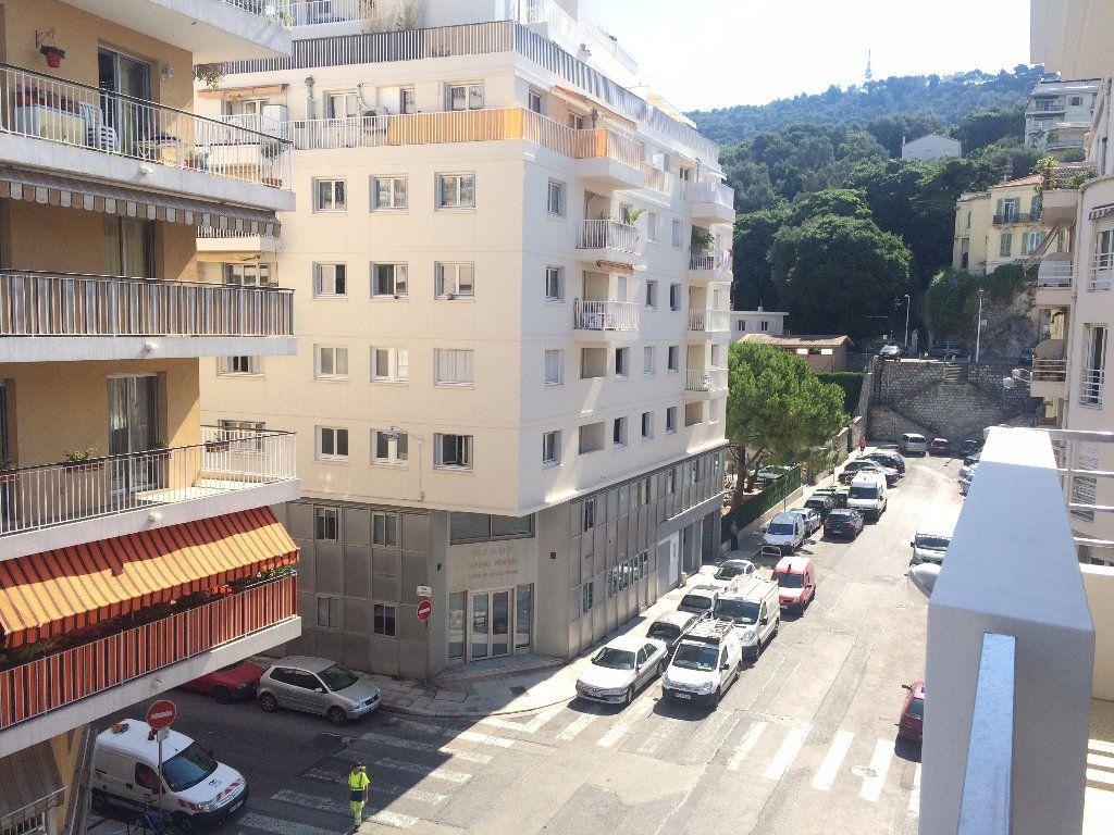 Appartement à louer 1 25.5m2 à Nice vignette-1