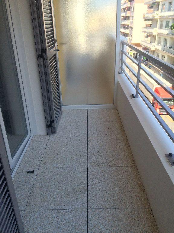 Appartement à louer 1 25.5m2 à Nice vignette-5
