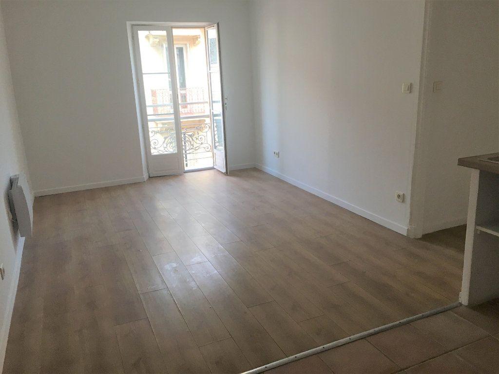 Appartement à louer 2 34.91m2 à Cannes vignette-3