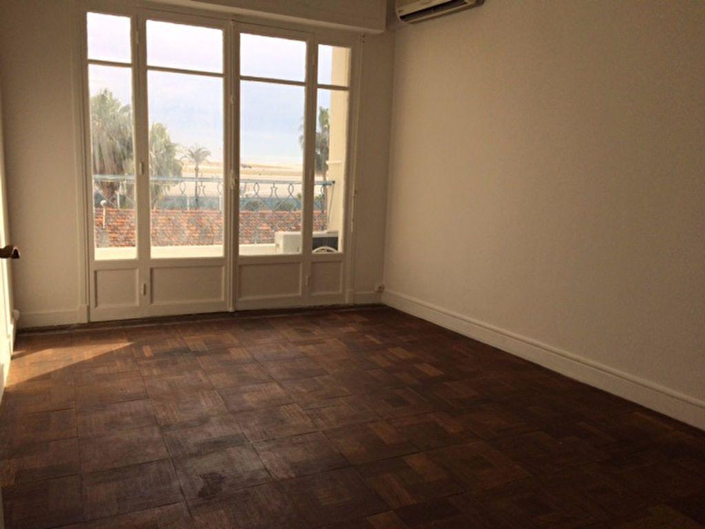 Appartement à louer 2 52.19m2 à Nice vignette-4