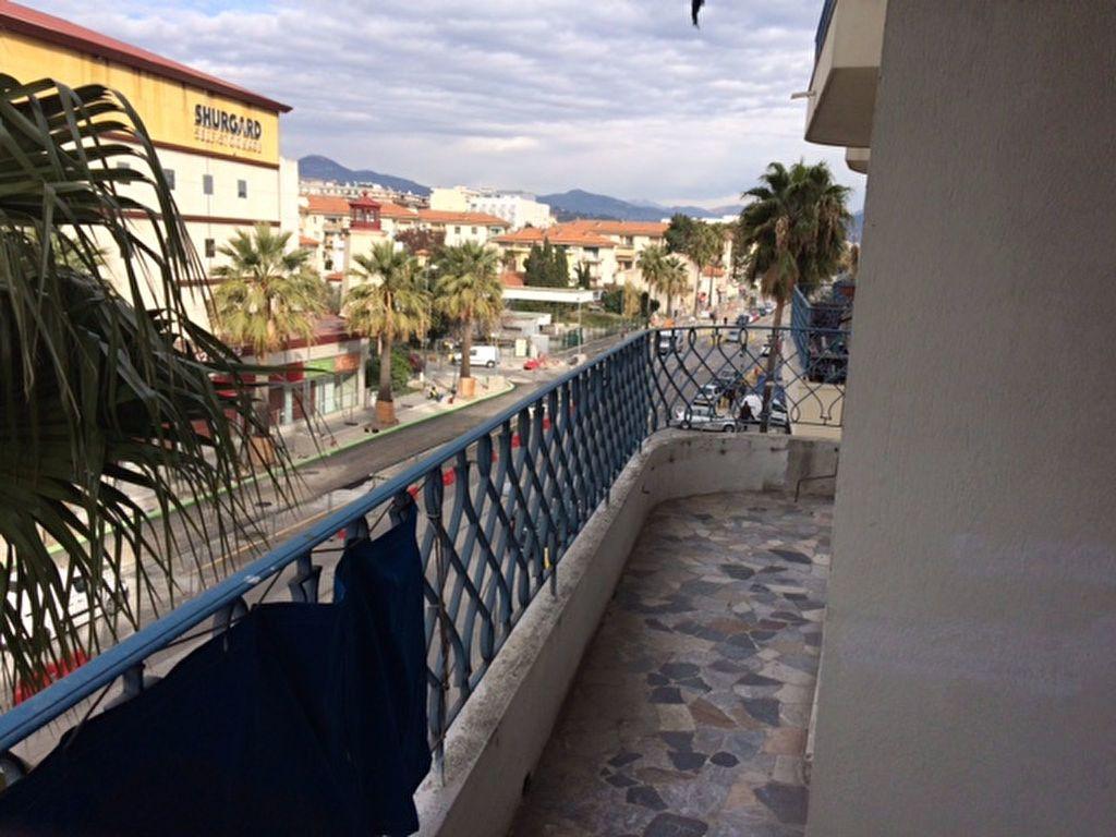 Appartement à louer 2 52.19m2 à Nice vignette-7