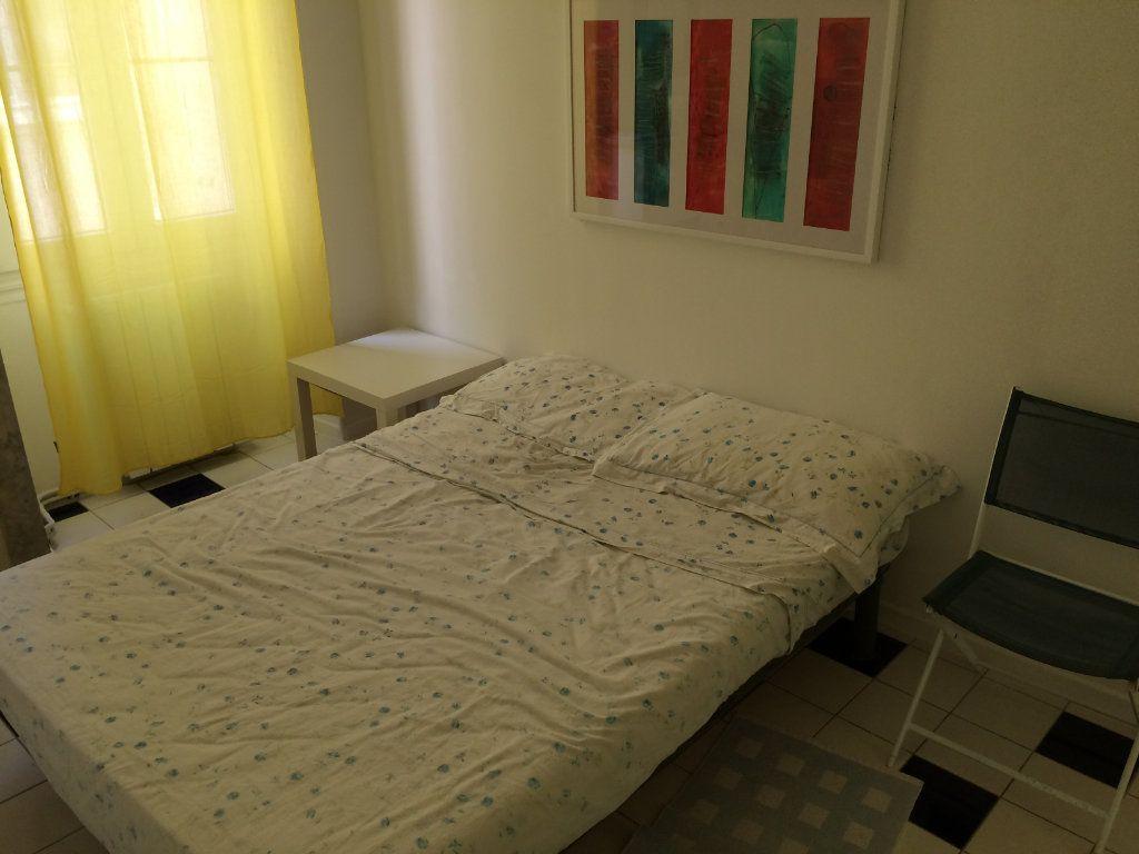 Appartement à louer 3 42.01m2 à Nice vignette-2