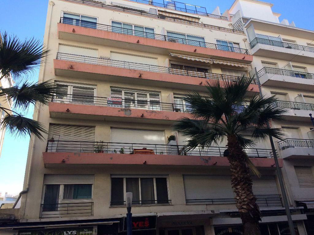 Appartement à louer 2 30.22m2 à Juan-les-Pins - Antibes vignette-6