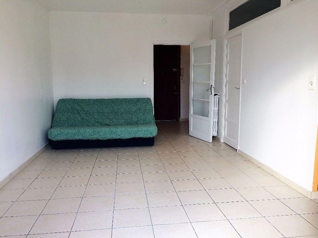 Appartement à louer 1 29.05m2 à Nice vignette-4
