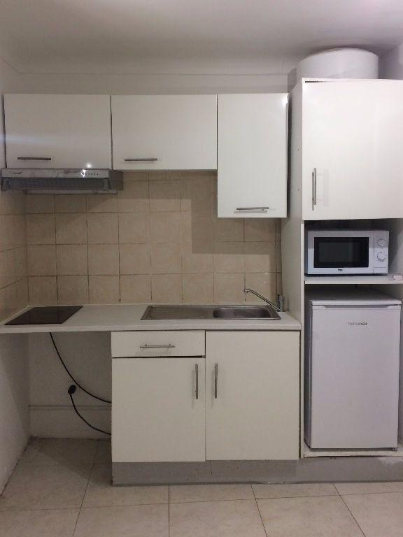 Appartement à louer 1 13.2m2 à Nice vignette-2