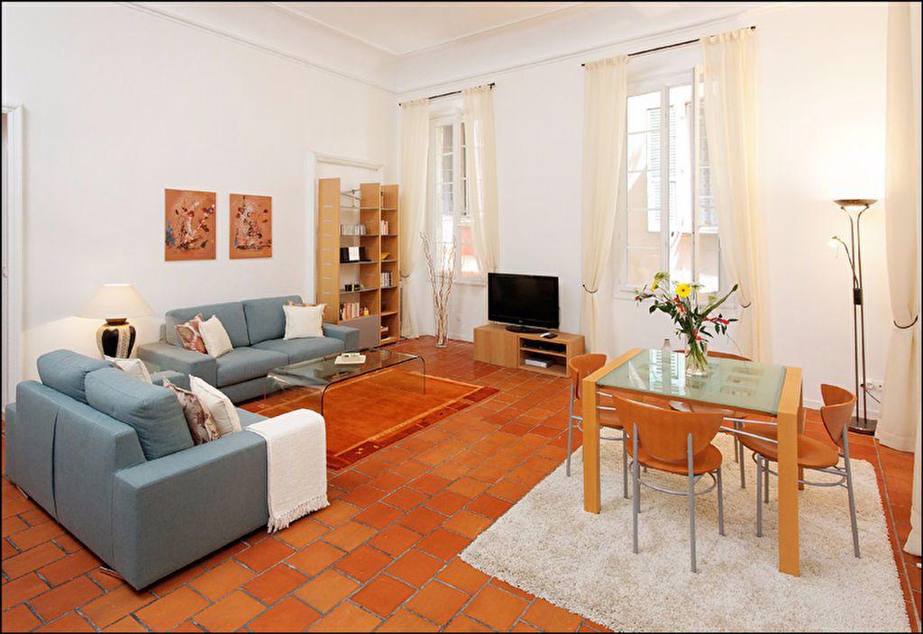 Appartement à louer 3 83.07m2 à Nice vignette-2