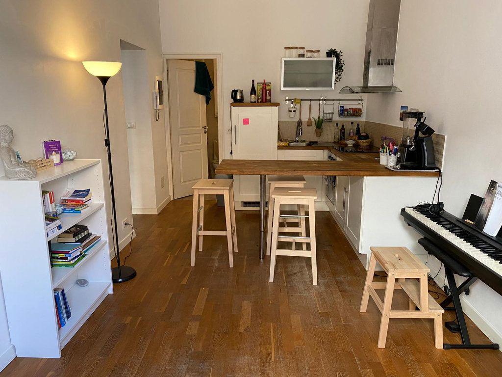 Appartement à louer 2 32.66m2 à Nice vignette-2