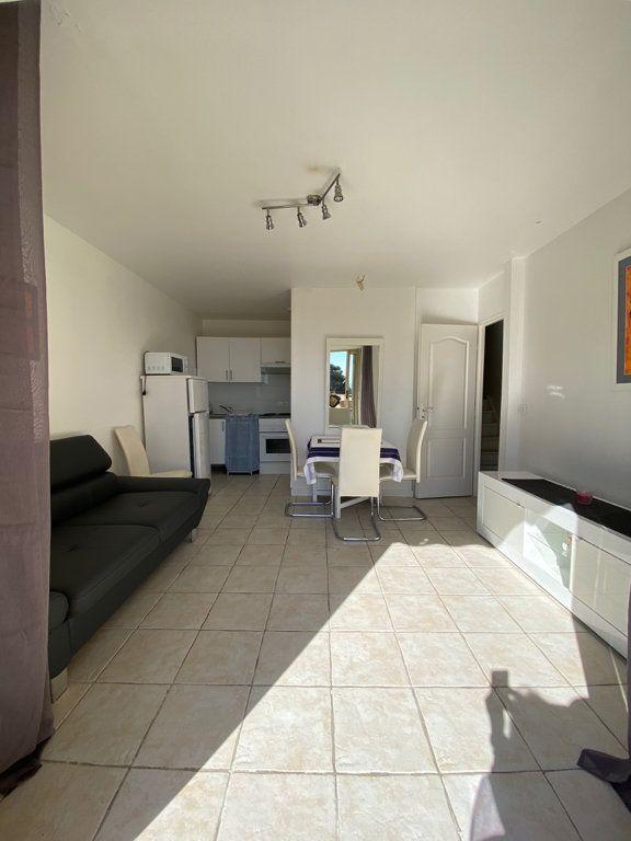 Appartement à louer 3 46.27m2 à Nice vignette-3