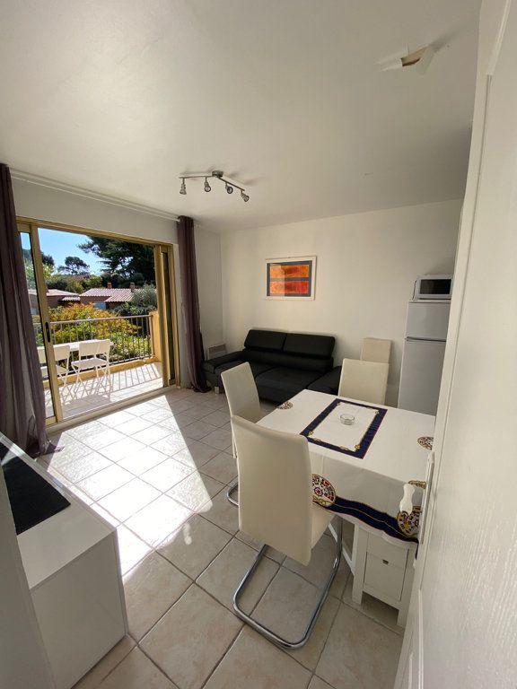Appartement à louer 3 46.27m2 à Nice vignette-4