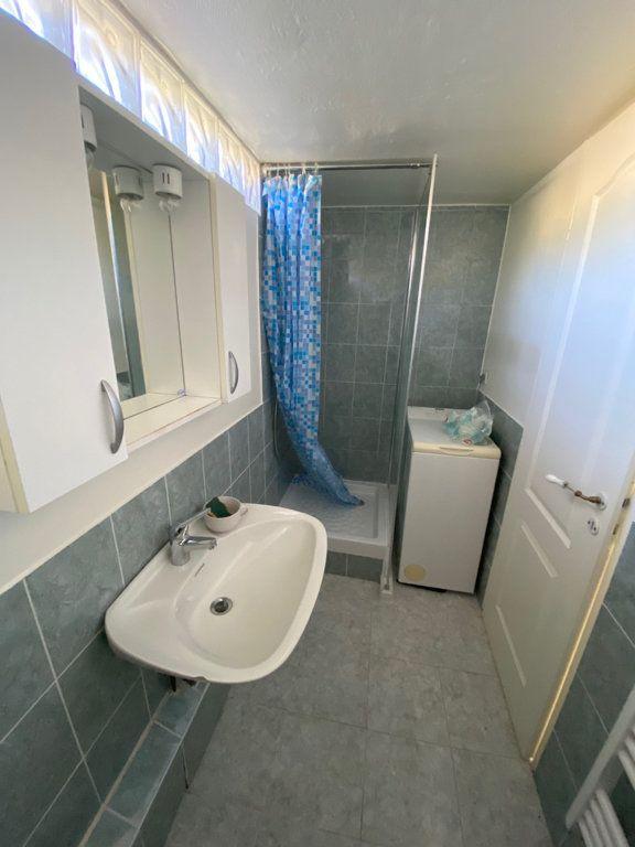 Appartement à louer 3 46.27m2 à Nice vignette-9