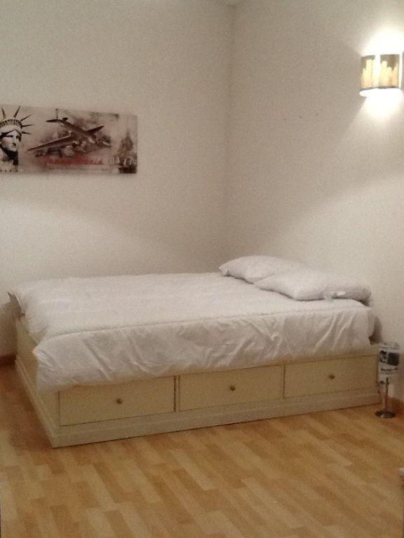 Appartement à louer 3 62.58m2 à Nice vignette-7