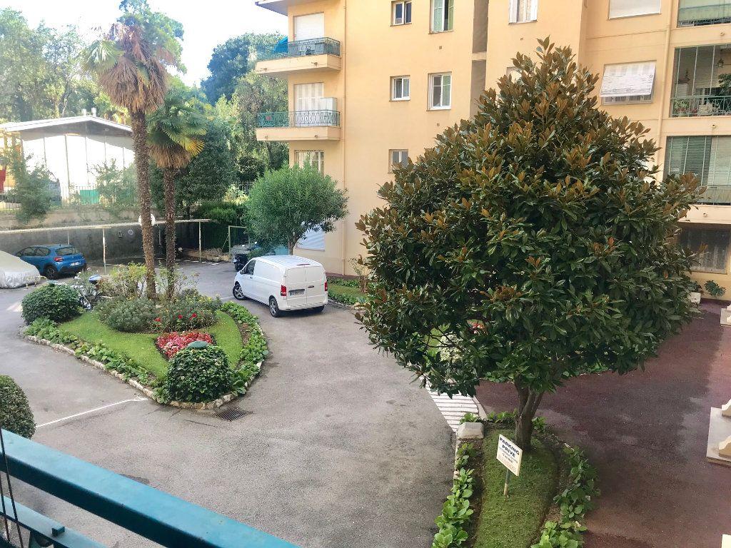 Appartement à louer 3 77.42m2 à Nice vignette-4